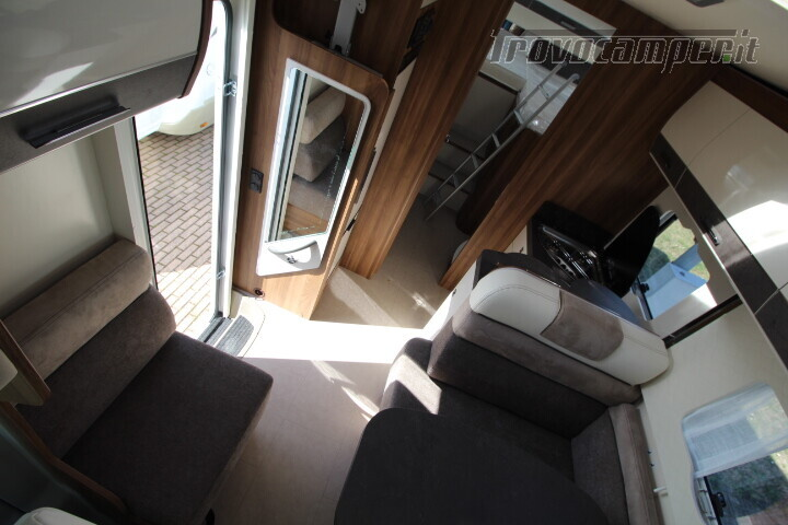 Magis 84 M mansardato letti gemelli e garage anno 2019 usato  in vendita a Rimini - Immagine 9