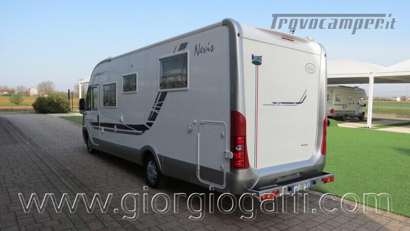 Camper Mc Louis Nevis 872 motorhome con letto centrale e portamoto nuovo  in vendita a Alessandria - Immagine 20