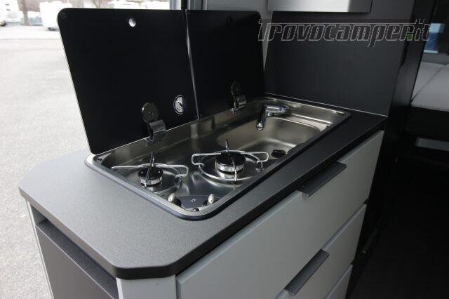 Camper puro adria twin supreme 600 spb usato  in vendita a Trieste - Immagine 8