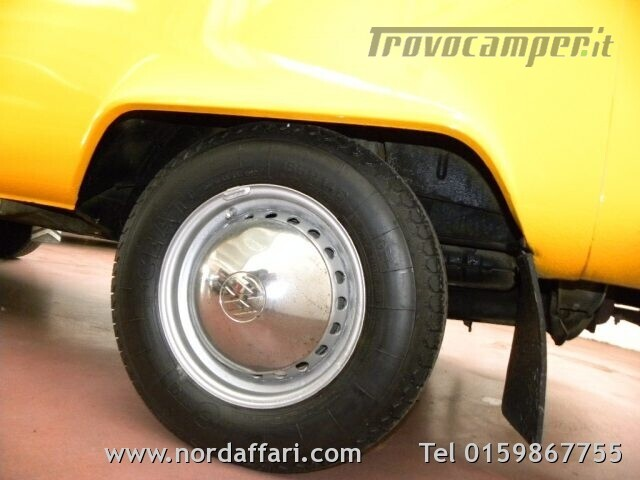 Camper puro VOLKSWAGEN Transporter T2-A Westfalia usato  in vendita a Biella - Immagine 7