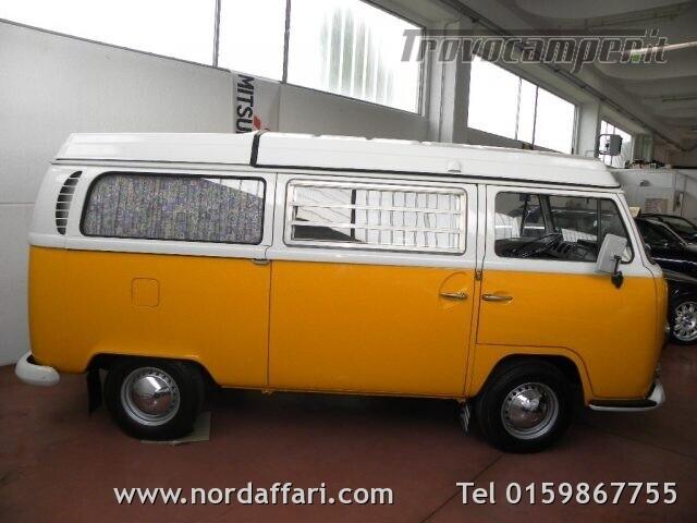 Camper puro VOLKSWAGEN Transporter T2-A Westfalia usato  in vendita a Biella - Immagine 2
