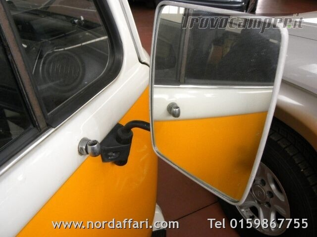 Camper puro VOLKSWAGEN Transporter T2-A Westfalia usato  in vendita a Biella - Immagine 19