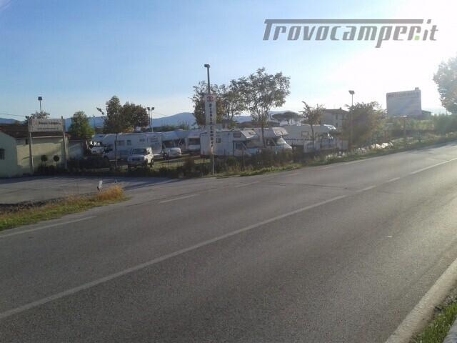 Roulotte AREA RIMESSAGGIO CAMPER BARCHE E ROULOTT usato  in vendita a Pistoia - Immagine 5