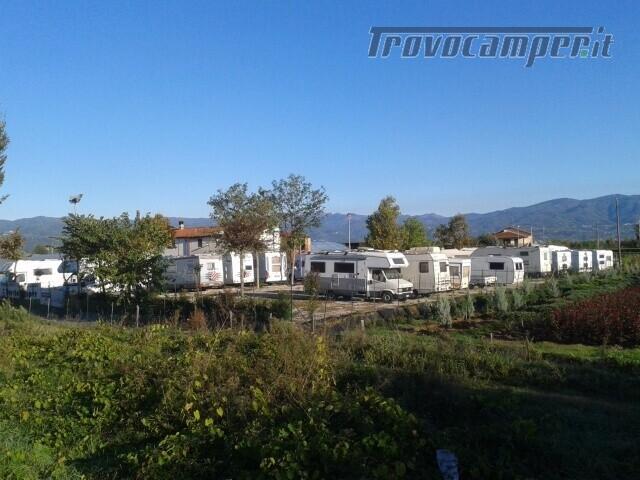 Roulotte AREA RIMESSAGGIO CAMPER BARCHE E ROULOTT usato  in vendita a Pistoia - Immagine 4