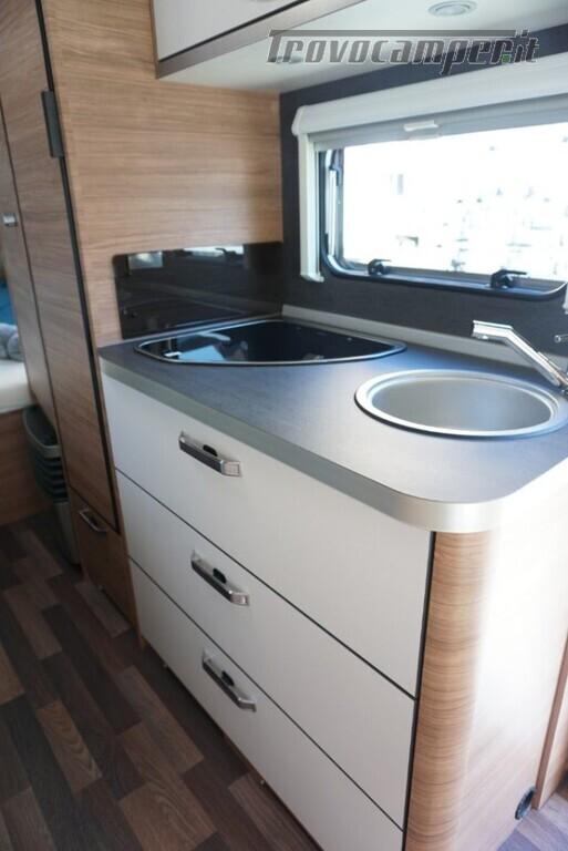 Roulotte WEINSBERG CARAVAN NUOVA  CARAONE 480 QDK nuovo  in vendita a Bergamo - Immagine 3
