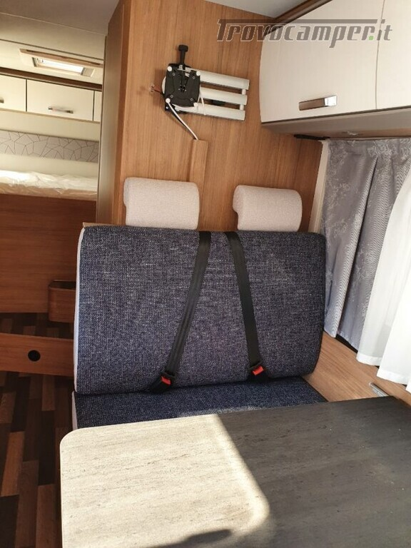 Mansardato WEINSBERG 700 DG  CARAHOME CAMPER 2021 N usato  in vendita a Bergamo - Immagine 12