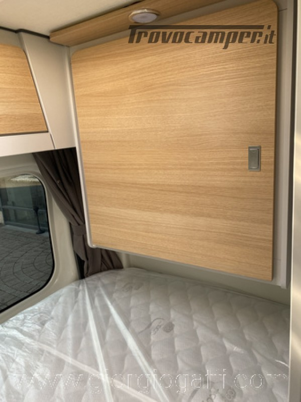 Camper puro Fontvendome Horizon 107 van da 5,41 mt con riscaldamento diesel usato  in vendita a Alessandria - Immagine 4