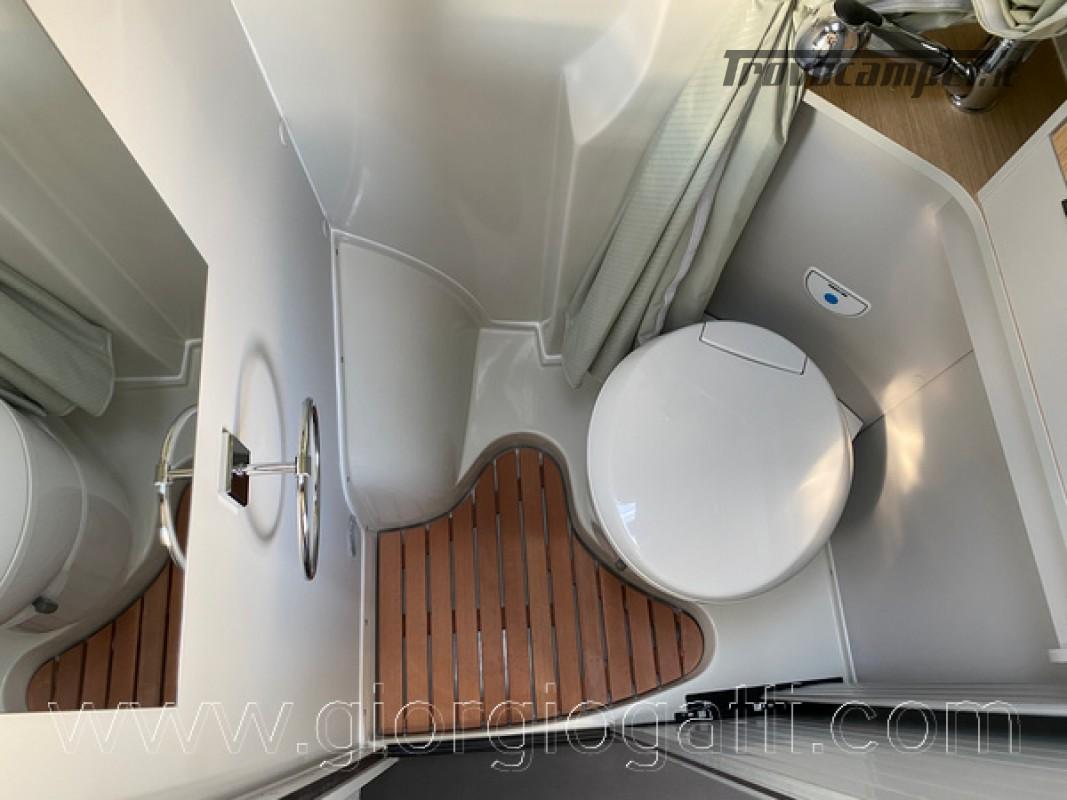 Camper puro Fontvendome Horizon 107 van da 5,41 mt con riscaldamento diesel usato  in vendita a Alessandria - Immagine 6