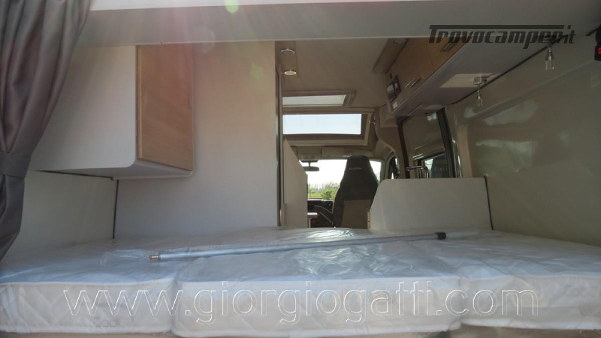 Camper puro Fontvendome Horizon 107 van da 5,41 mt con riscaldamento diesel usato  in vendita a Alessandria - Immagine 7
