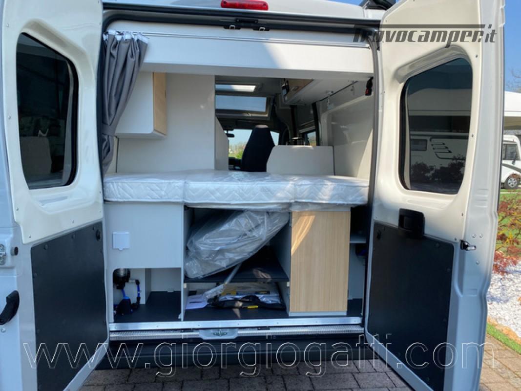 Camper puro Fontvendome Horizon 107 van da 5,41 mt con riscaldamento diesel usato  in vendita a Alessandria - Immagine 16