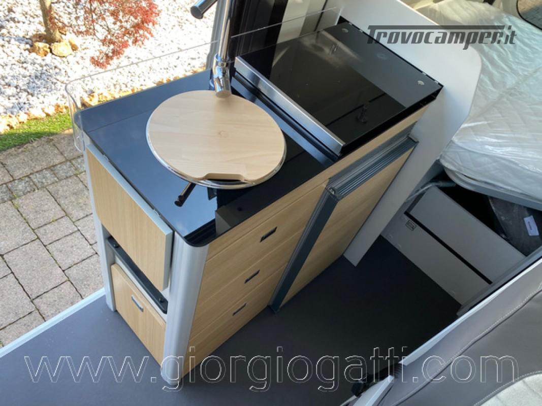 Camper puro Fontvendome Horizon 107 van da 5,41 mt con riscaldamento diesel usato  in vendita a Alessandria - Immagine 17