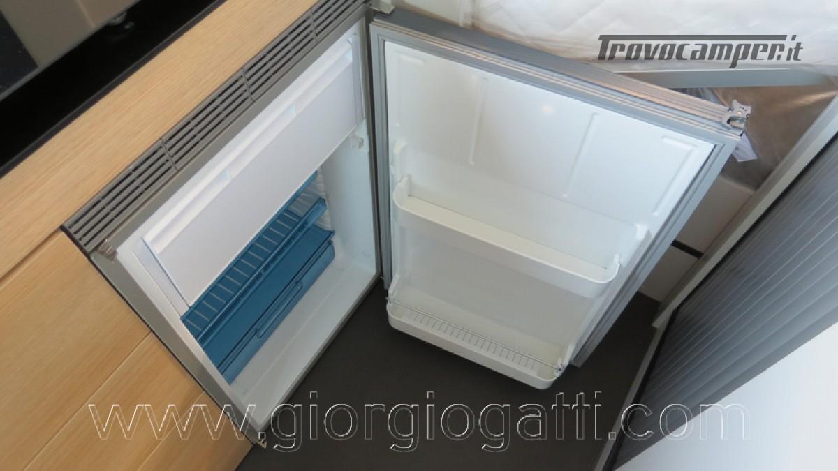 Camper puro Fontvendome Horizon 107 van da 5,41 mt con riscaldamento diesel usato  in vendita a Alessandria - Immagine 18