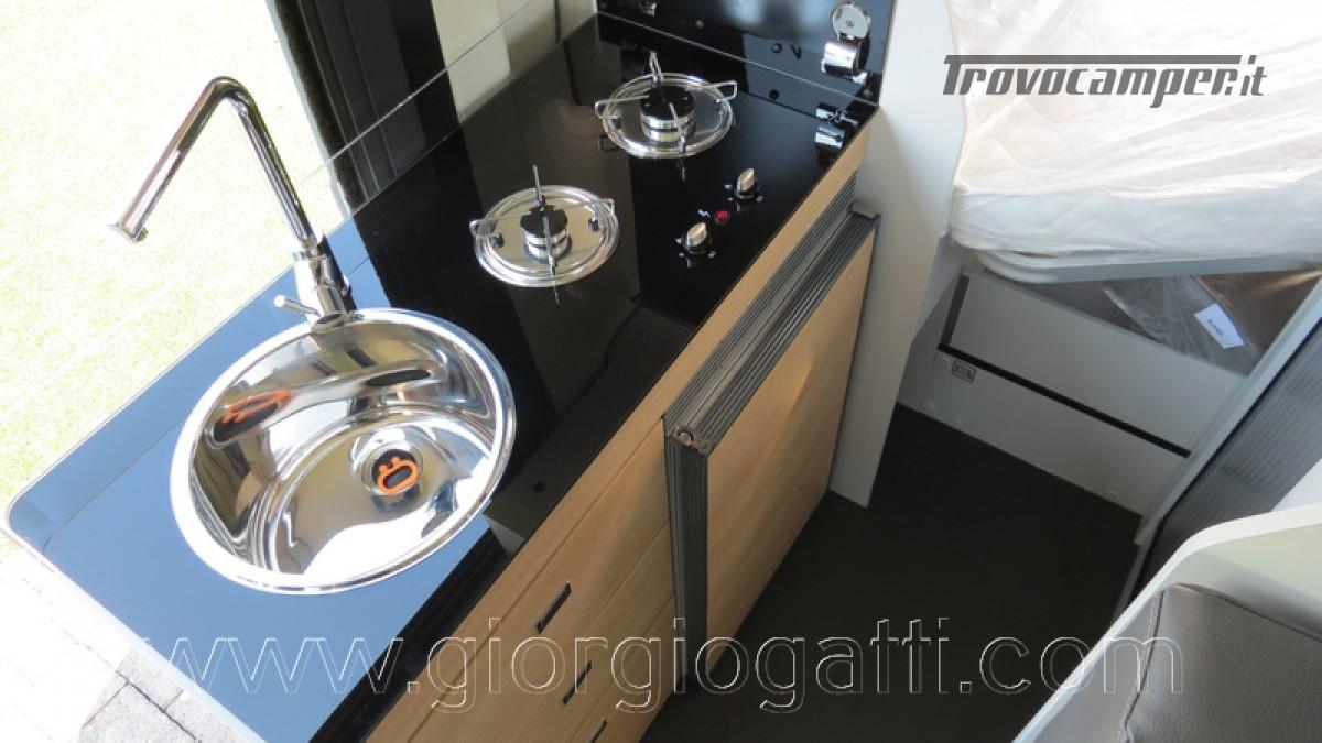 Camper puro Fontvendome Horizon 107 van da 5,41 mt con riscaldamento diesel usato  in vendita a Alessandria - Immagine 21
