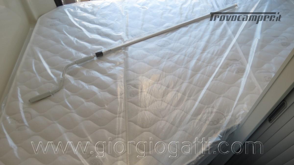 Camper puro Fontvendome Horizon 107 van da 5,41 mt con riscaldamento diesel usato  in vendita a Alessandria - Immagine 22