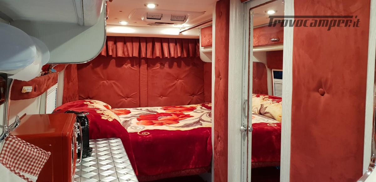 Furgonato Van Rayner 640 usato  in vendita a Cosenza - Immagine 19