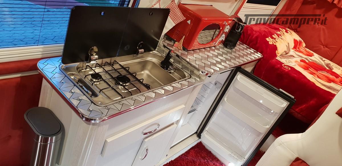 Furgonato Van Rayner 640 usato  in vendita a Cosenza - Immagine 24