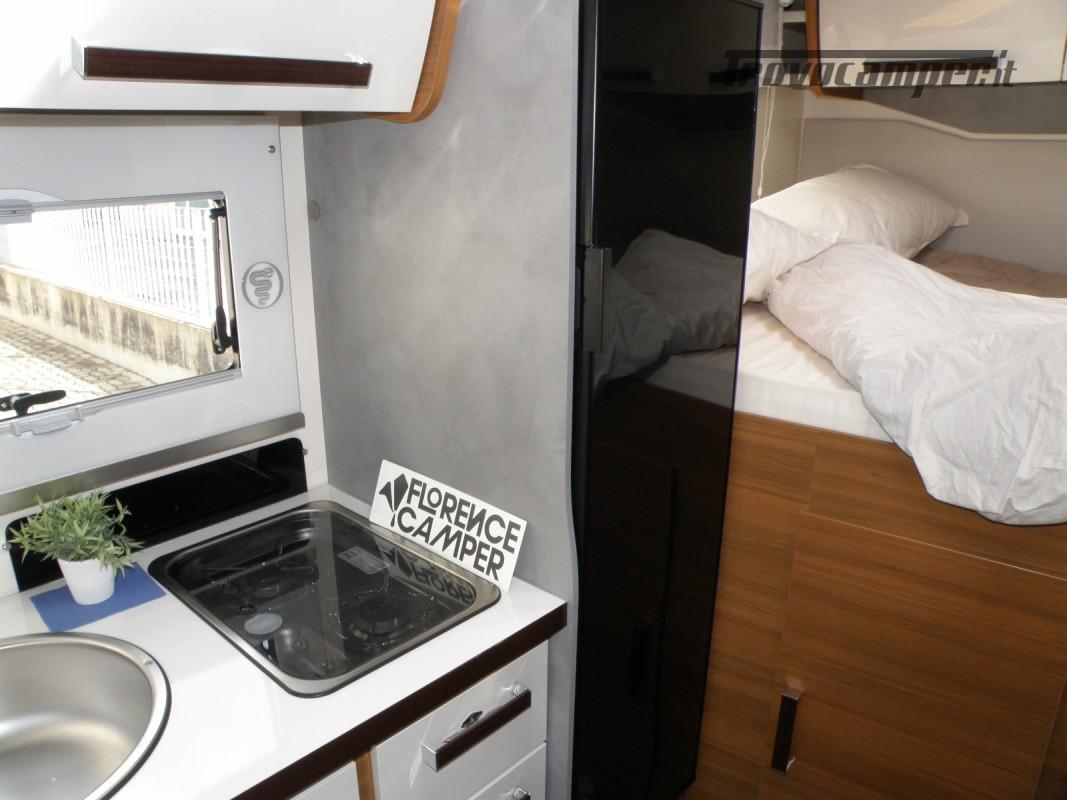 CAMPER PRONTA CONSEGNA SEMINTEGRALE ELNAGH BARON 531 usato  in vendita a Prato - Immagine 17