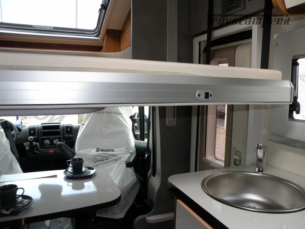 CAMPER PRONTA CONSEGNA SEMINTEGRALE ELNAGH BARON 531 usato  in vendita a Prato - Immagine 19