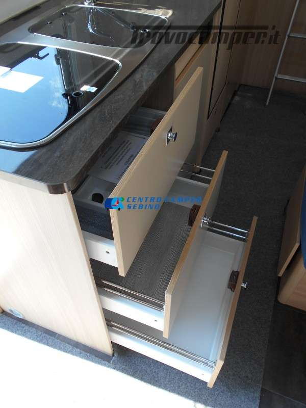 Noleggio Burstner Lyseo A 700 camper mansardato 6 posti con garage nuovo  in vendita a Brescia - Immagine 22