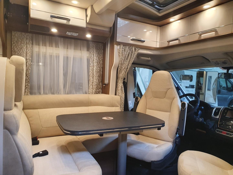 Semintegrale Carthago c-tourer T 144 QB nuovo  in vendita a Bolzano - Immagine 9