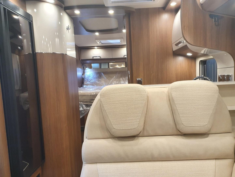 Semintegrale Carthago c-tourer T 144 QB nuovo  in vendita a Bolzano - Immagine 12