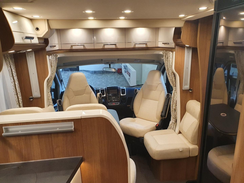 Semintegrale Carthago c-tourer T 144 QB nuovo  in vendita a Bolzano - Immagine 14