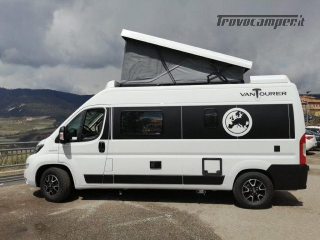 Camper puro VANTOURER 600D TETTO A SOFFIETTO, LETTO nuovo  in vendita a Trento - Immagine 3