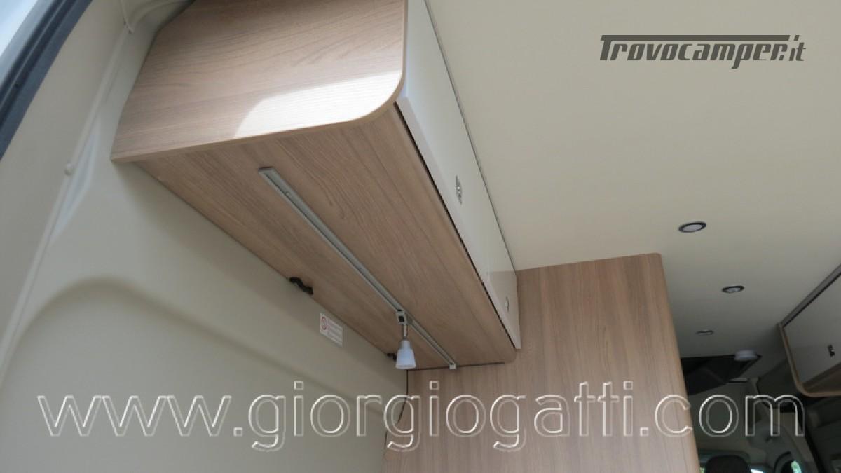 Camper puro Laika Kosmo Campervan 6.0 con soffietto e veranda nuovo  in vendita a Alessandria - Immagine 4