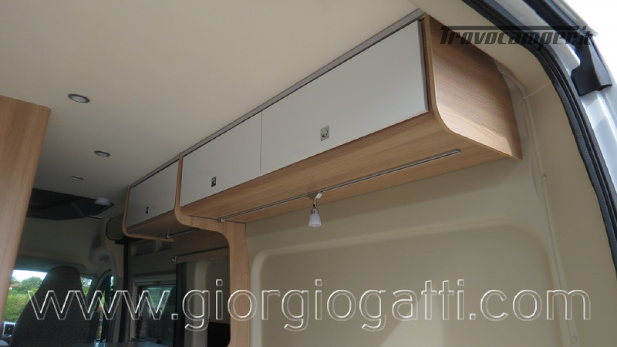 Camper puro Laika Kosmo Campervan 6.0 con soffietto e veranda nuovo  in vendita a Alessandria - Immagine 7
