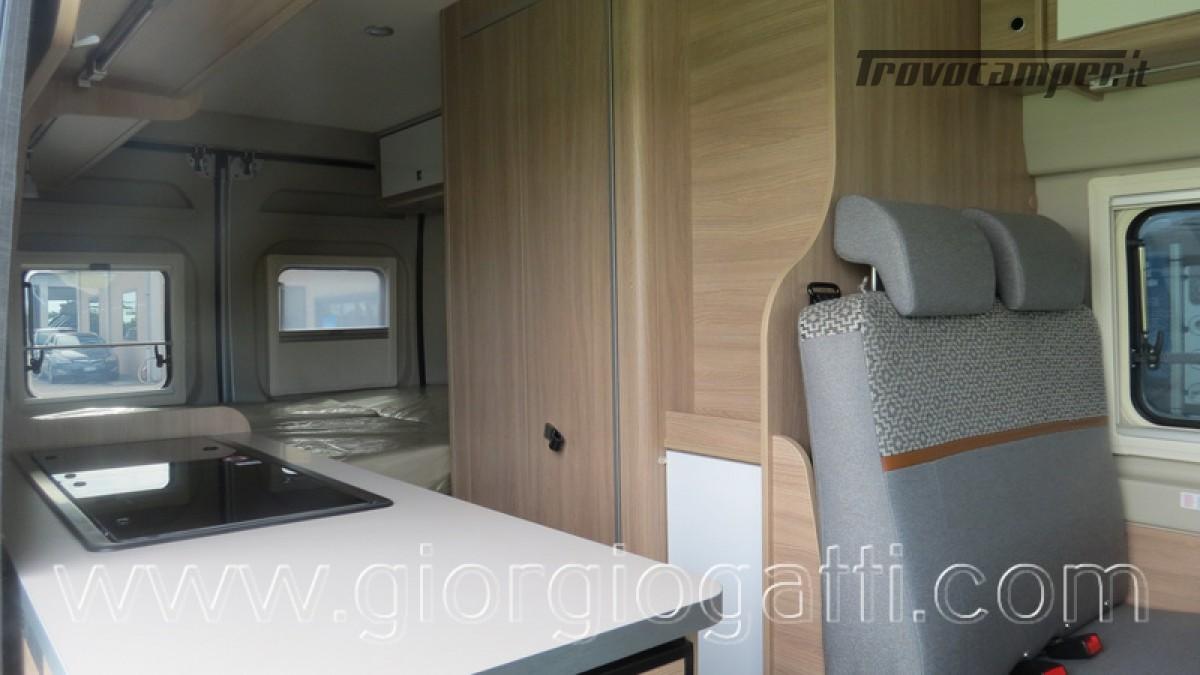 Camper puro Laika Kosmo Campervan 6.0 con soffietto e veranda nuovo  in vendita a Alessandria - Immagine 9