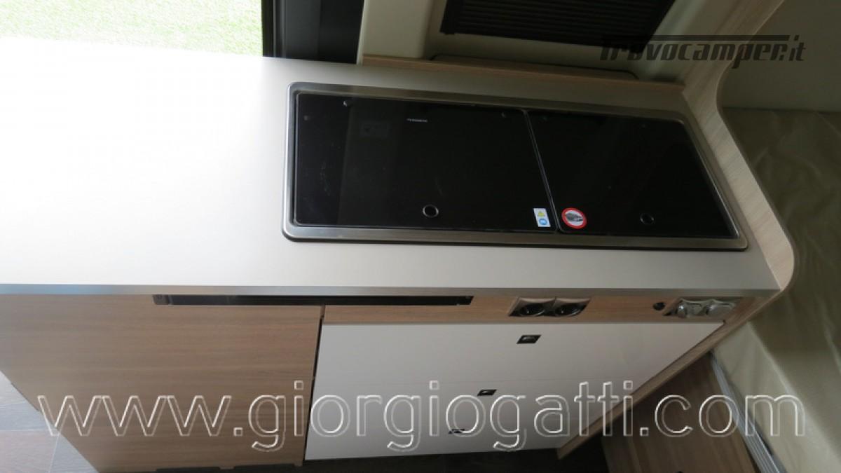 Camper puro Laika Kosmo Campervan 6.0 con soffietto e veranda nuovo  in vendita a Alessandria - Immagine 17