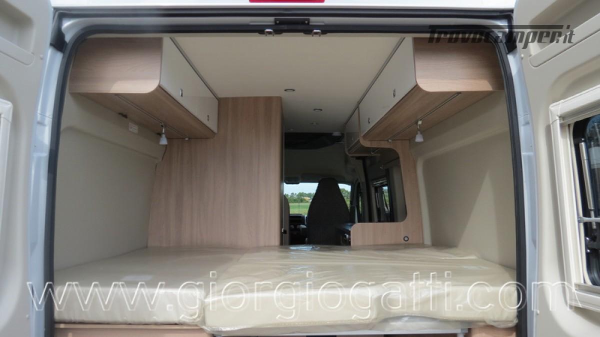 Camper puro Laika Kosmo Campervan 6.0 con soffietto e veranda nuovo  in vendita a Alessandria - Immagine 18