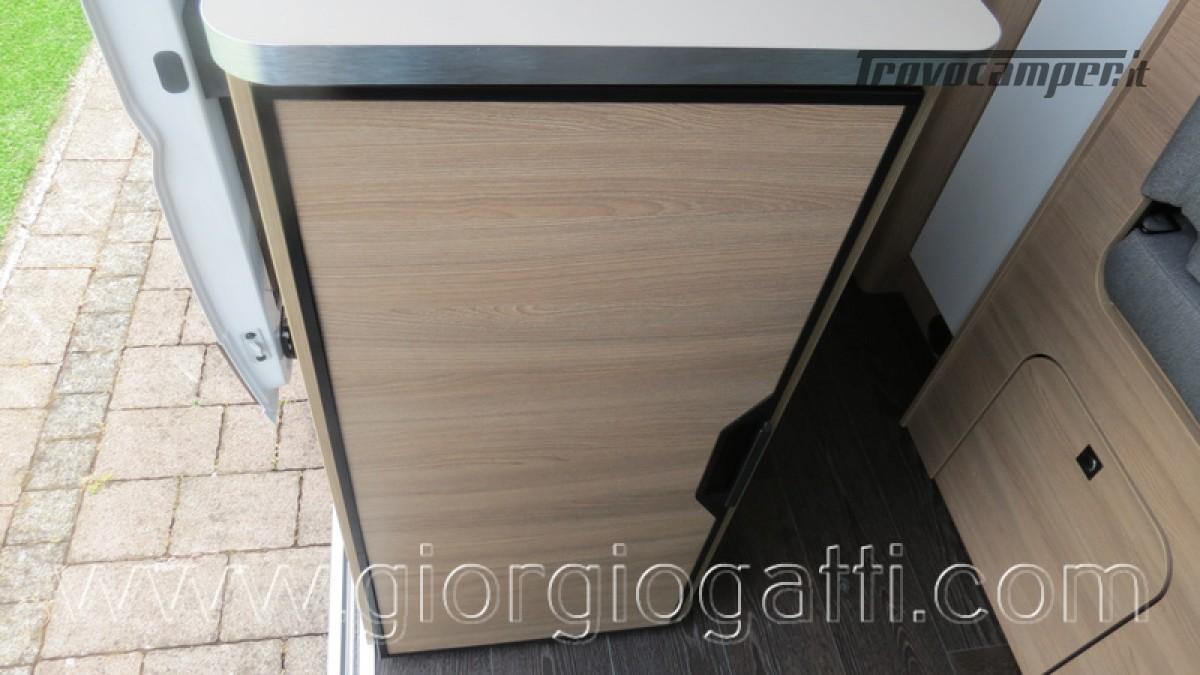 Camper puro Laika Kosmo Campervan 6.0 con soffietto e veranda nuovo  in vendita a Alessandria - Immagine 23
