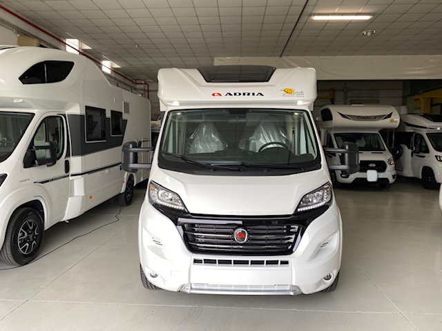 Adria New Matrix Axess M 670 SL 160 cv POWER garage gemelli basculante ultimo nuovo  in vendita a Brescia - Immagine 25
