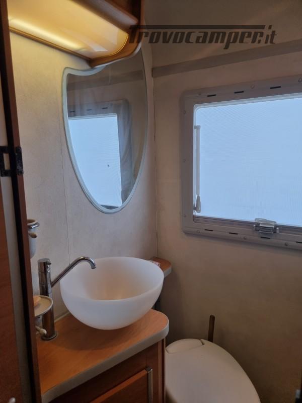 Camper mobilvetta huari 1102 -ivevo 3.0 180 cv Anno 2006  50000 km - pronto a pa nuovo  in vendita a Napoli - Immagine 13