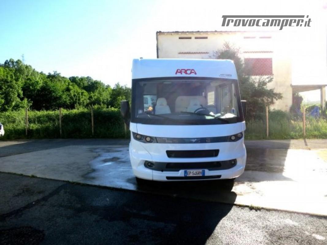 Motorhome ARCA H737GLC usato  in vendita a Massa-Carrara - Immagine 1