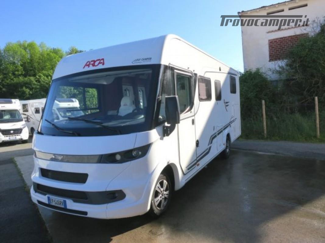 Motorhome ARCA H737GLC usato  in vendita a Massa-Carrara - Immagine 2