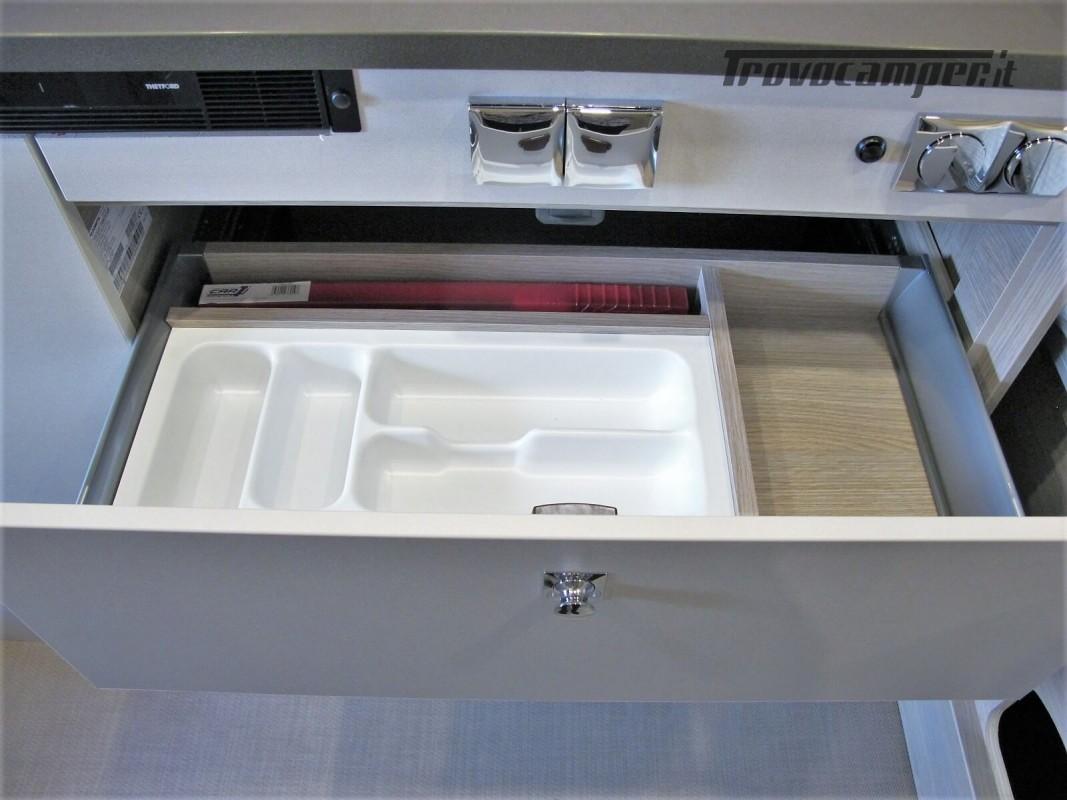 Burstner Campeo C 600 - Furgonato Bianco con tetto sollevabile nuovo  in vendita a Torino - Immagine 13