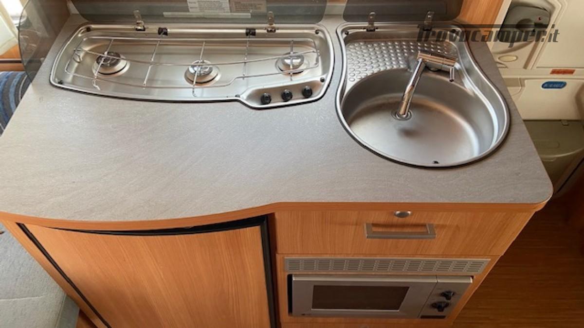 Knaus 400 Sport Del 2012 Veranda Completa 4 posti usato  in vendita a Milano - Immagine 12