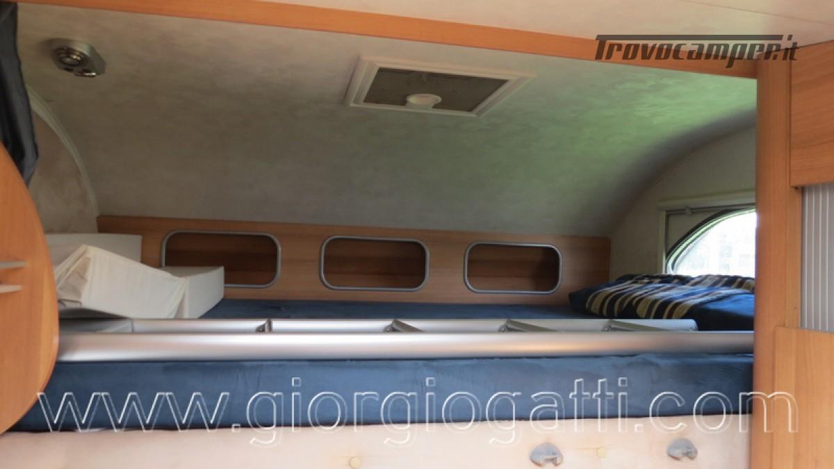 Camper Elnagh Prince 47 mansardato con garage usato  in vendita a Alessandria - Immagine 4