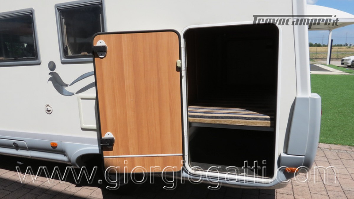 Camper Elnagh Prince 47 mansardato con garage usato  in vendita a Alessandria - Immagine 7