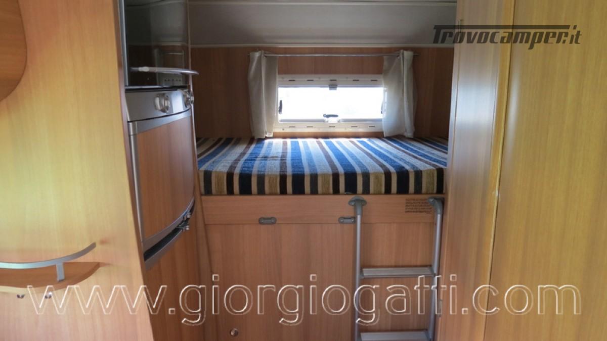 Camper Elnagh Prince 47 mansardato con garage usato  in vendita a Alessandria - Immagine 9