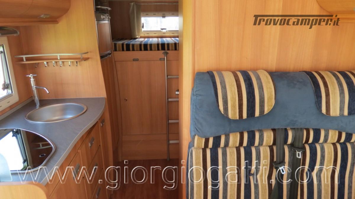 Camper Elnagh Prince 47 mansardato con garage usato  in vendita a Alessandria - Immagine 11