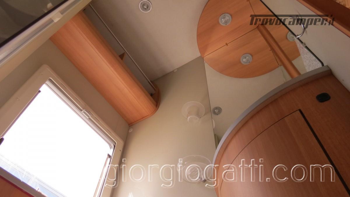 Camper Elnagh Prince 47 mansardato con garage usato  in vendita a Alessandria - Immagine 16