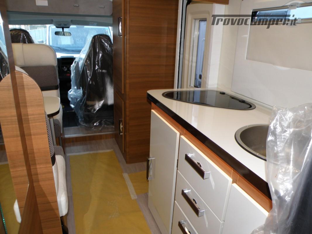 CAMPER MANSARDATO PRONTA CONSEGNA ELNAGH BARON 26 GARAGE nuovo  in vendita a Prato - Immagine 4