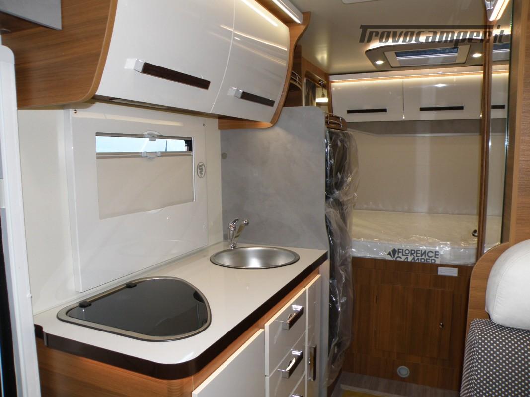 CAMPER MANSARDATO PRONTA CONSEGNA ELNAGH BARON 26 GARAGE nuovo  in vendita a Prato - Immagine 11