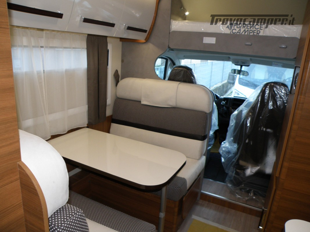 CAMPER MANSARDATO PRONTA CONSEGNA ELNAGH BARON 26 GARAGE nuovo  in vendita a Prato - Immagine 12