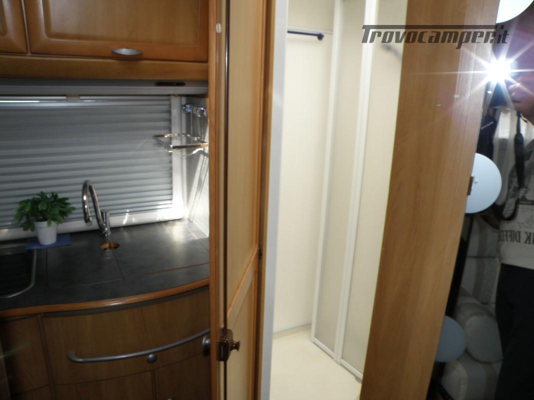CAMPER MOTORHOME HYMER ANNO 2003 usato  in vendita a Prato - Immagine 5