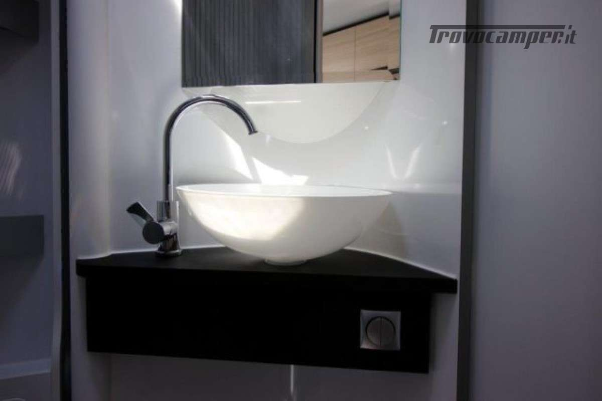 Semintegrale ADRIA COMPACT AXESS DL nuovo  in vendita a Trieste - Immagine 12