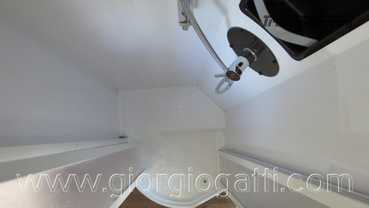 Camper Elnagh I-Loft 530 motorhome letti gemelli e garage usato  in vendita a Alessandria - Immagine 2